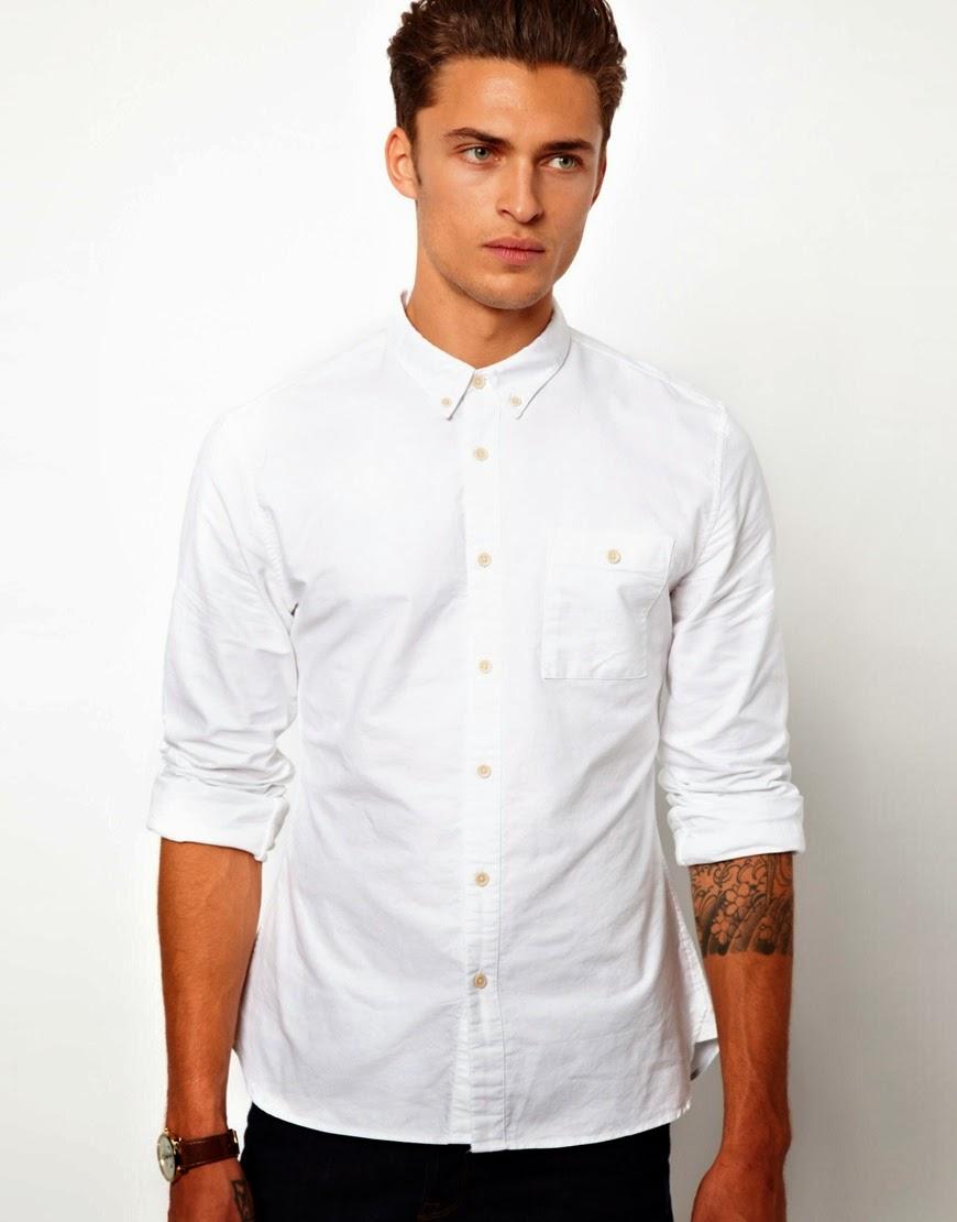 936ed3fcbb49 Το λευκό Oxford πουκάμισο (από το ομώνυμο ύφασμα) είναι η τέλεια ισορροπία  μεταξύ περιποιημένου και άνετου. Τα κουμπάκια στον γιακά τον κρατάνε όμορφα  στη ...